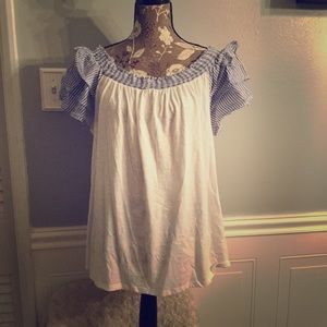 White Lane Bryant top with Ruffled Sleeves